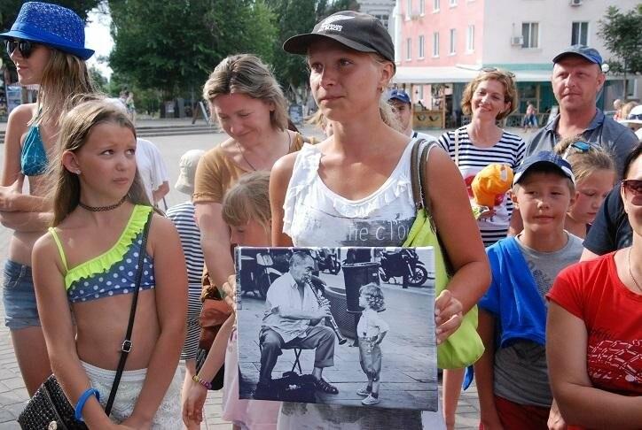 Викторина и фотовыстовка «Узнай мгновения твоей Европы» прошла в Бердянске (ФОТОРЕПОРТАЖ), фото-11