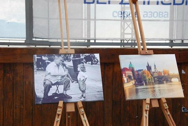 Викторина и фотовыстовка «Узнай мгновения твоей Европы» прошла в Бердянске (ФОТОРЕПОРТАЖ), фото-1