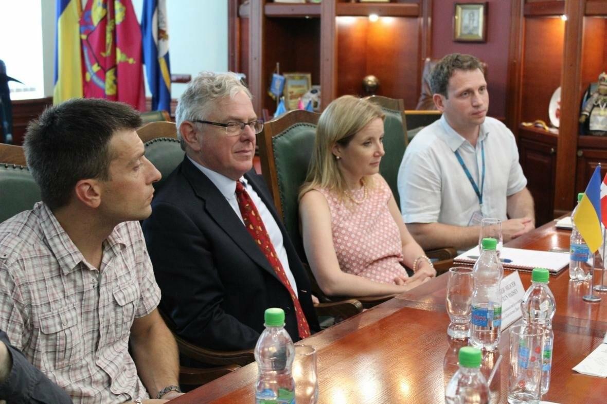 В Бердянске с визитом побывал Посол Дании, фото-1