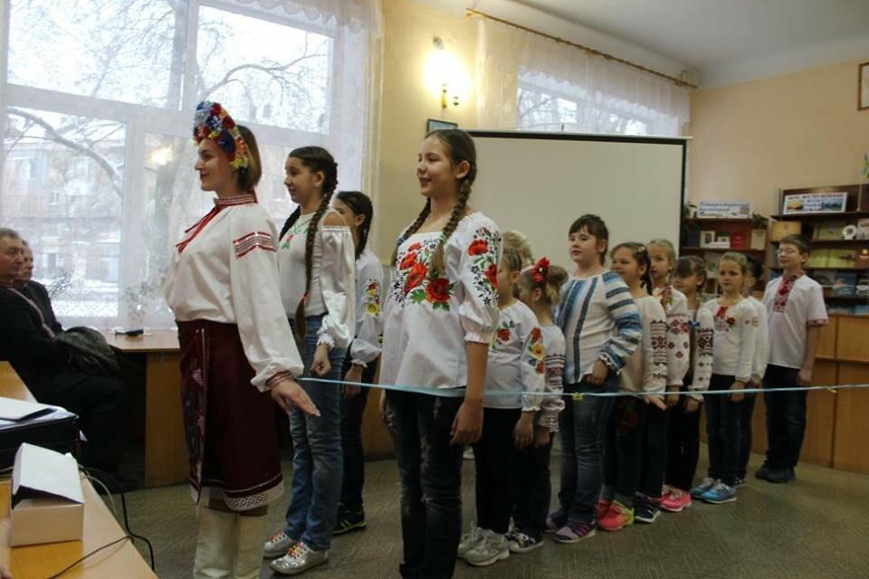 Общественность Бердянска отметила День Соборности Украины (ФОТО), фото-17