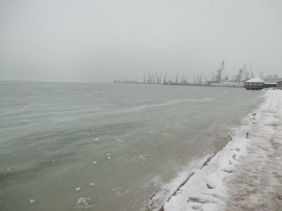 Азовское море погрузилось в зимний сон ( ФОТО), фото-1