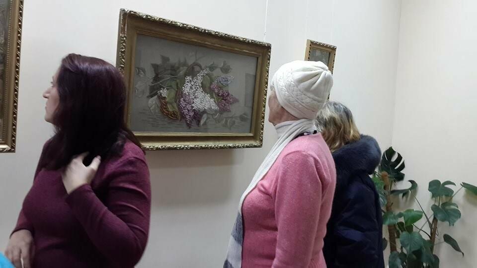 В Бердянском художественном музее открыта выставка необычных картин, фото-1