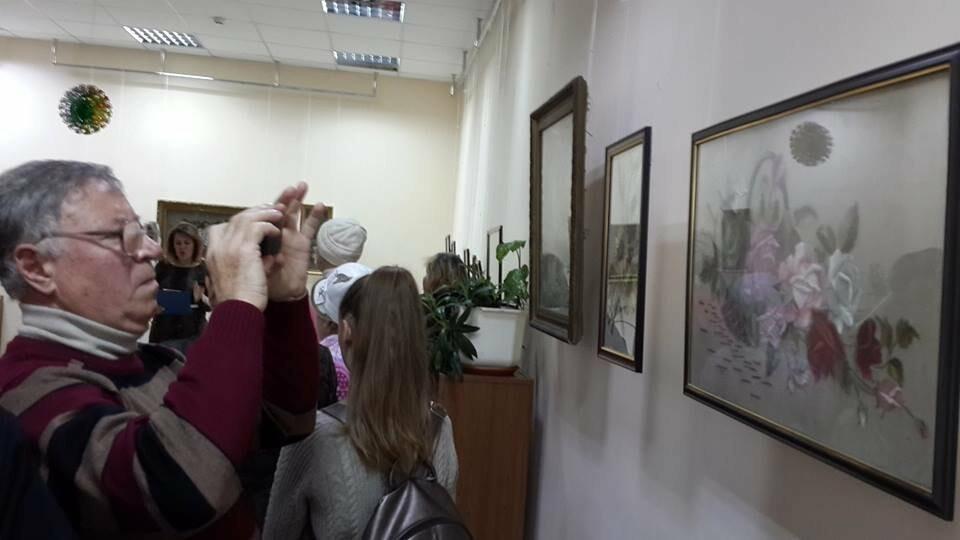 В Бердянском художественном музее открыта выставка необычных картин, фото-2