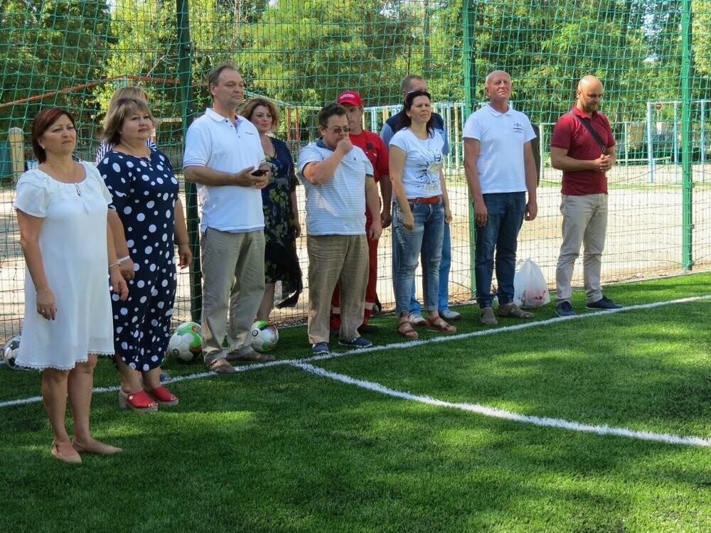 В Бердянске еще в двух школах появились новые мини-футбольные поля (ФОТО), фото-2