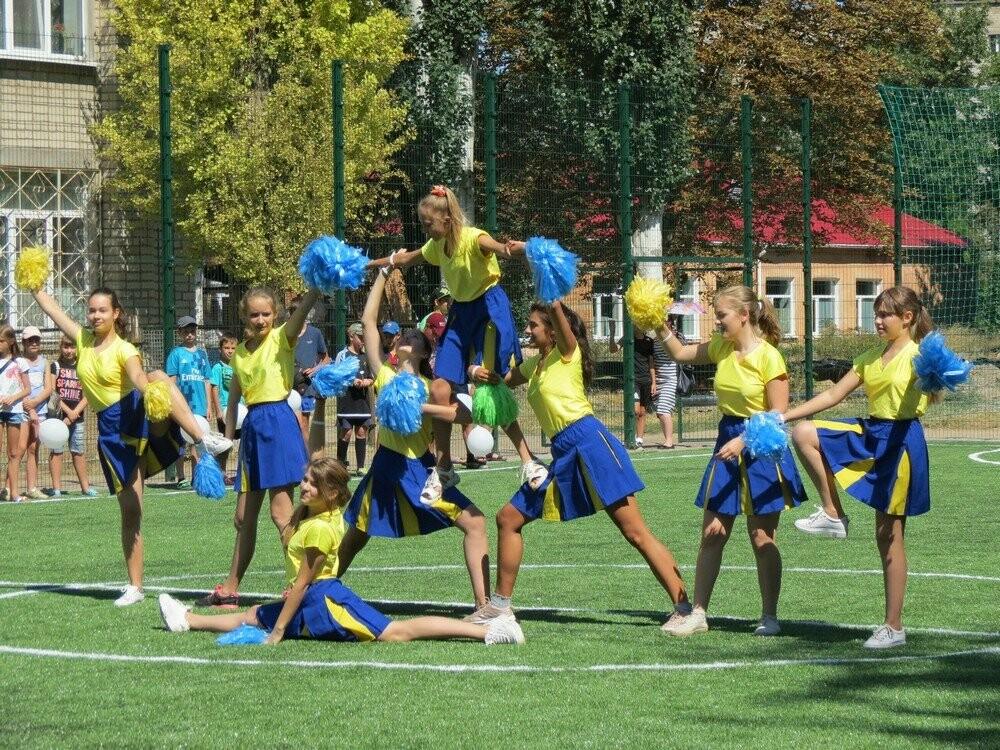 В Бердянске еще в двух школах появились новые мини-футбольные поля (ФОТО), фото-4