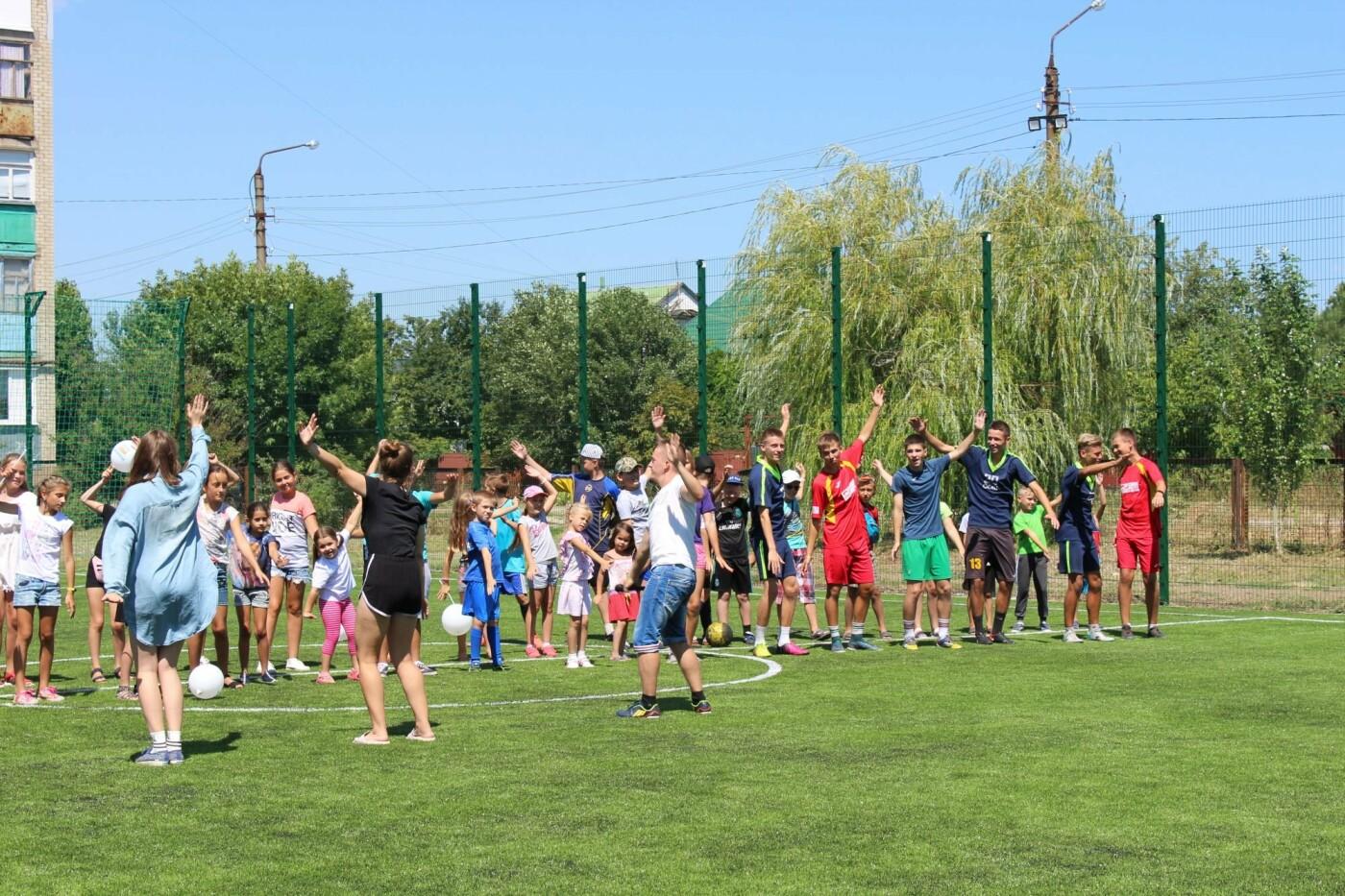 В Бердянске еще в двух школах появились новые мини-футбольные поля (ФОТО), фото-9