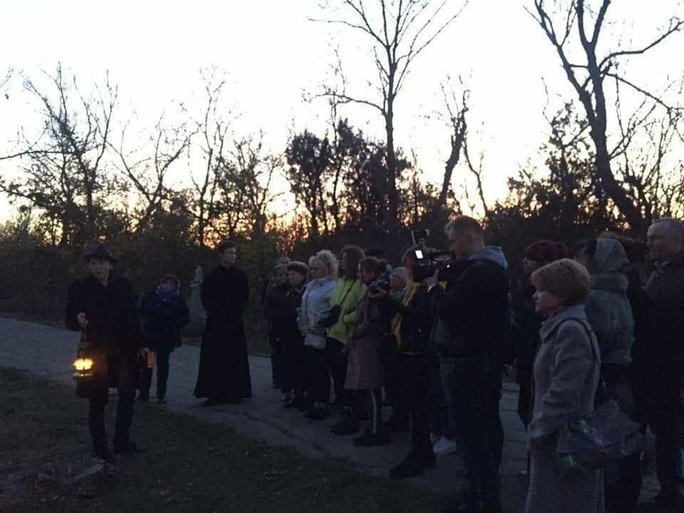 """Экскурсия на кладбище, """"встреча"""" с умершими  в Бердянске, фото-2"""