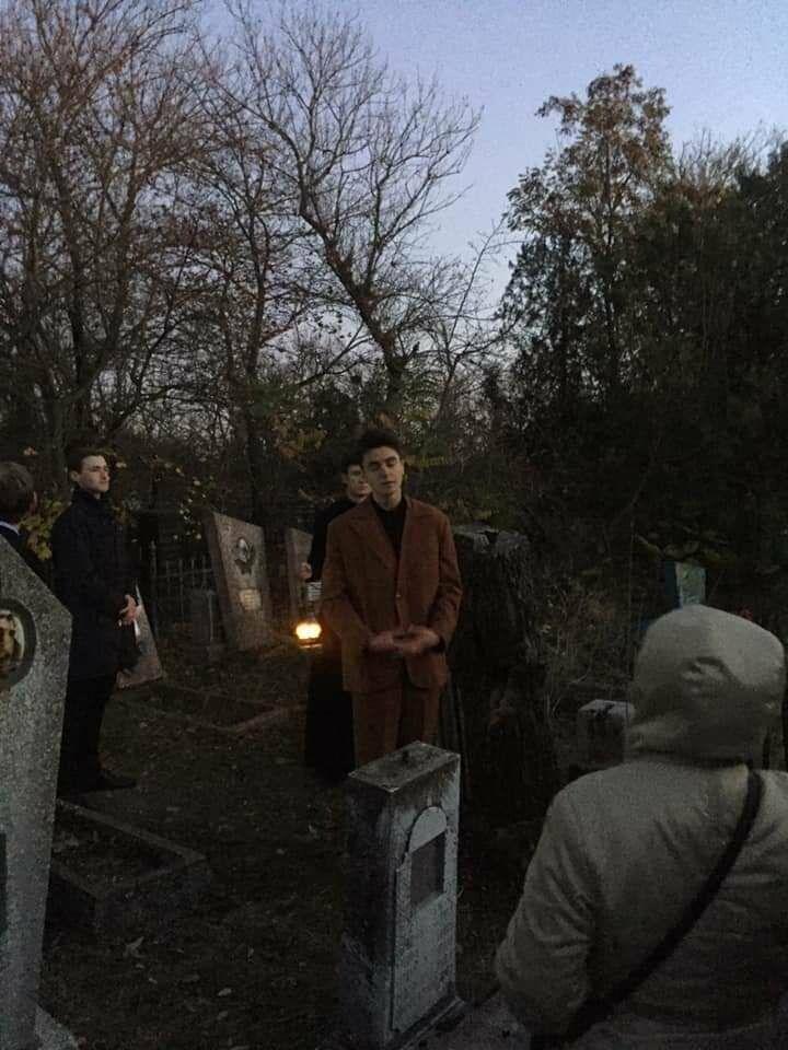 """Экскурсия на кладбище, """"встреча"""" с умершими  в Бердянске, фото-3"""