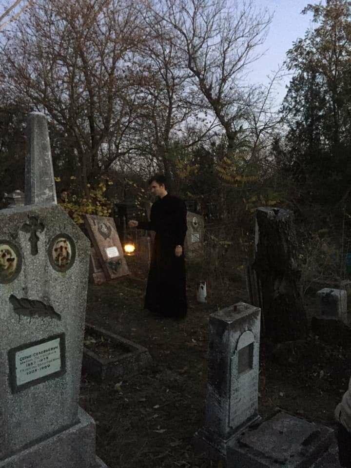 """Экскурсия на кладбище, """"встреча"""" с умершими  в Бердянске, фото-4"""