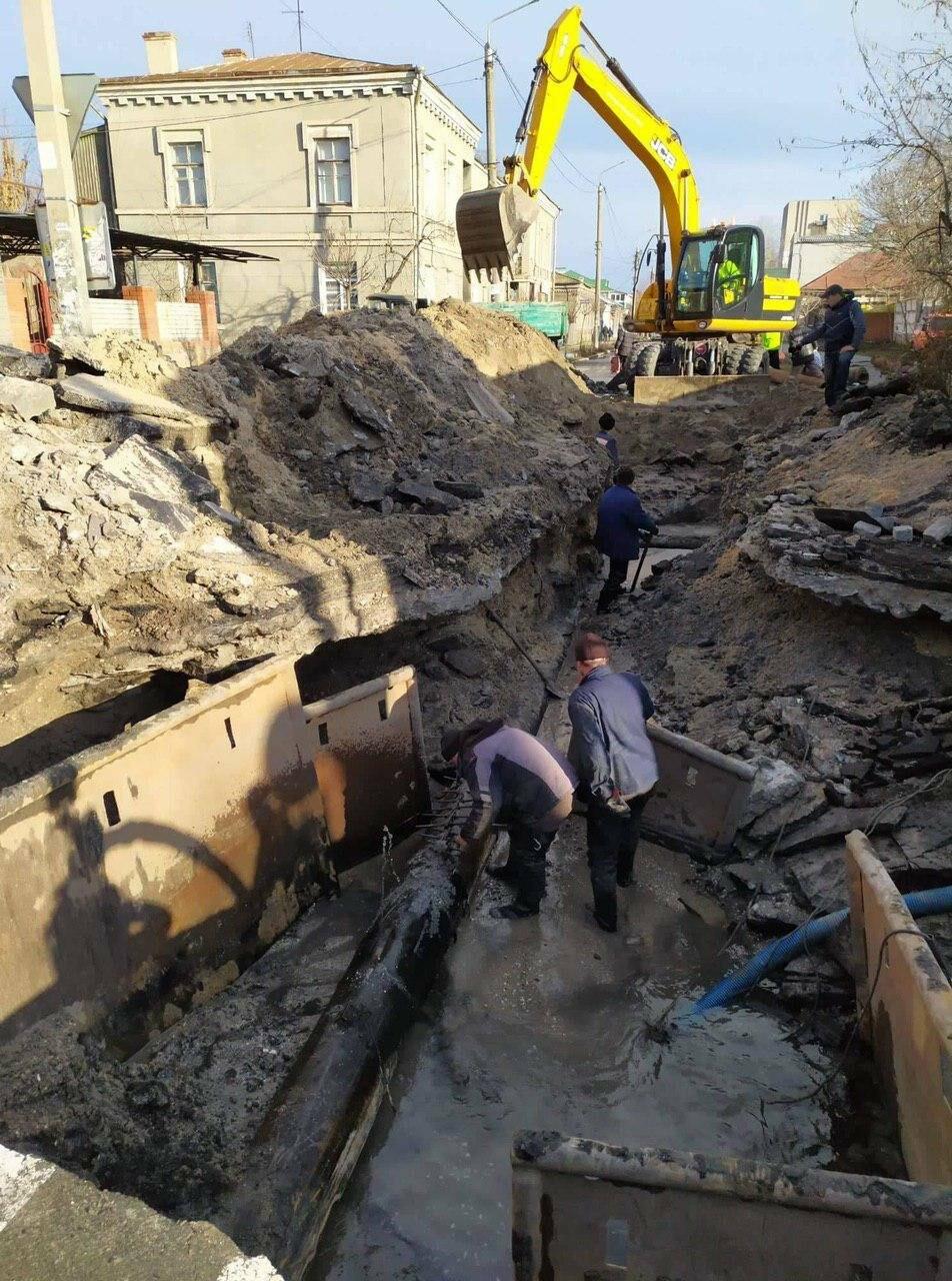 Трудовые будни работников горводоканала (шок-фото), фото-20
