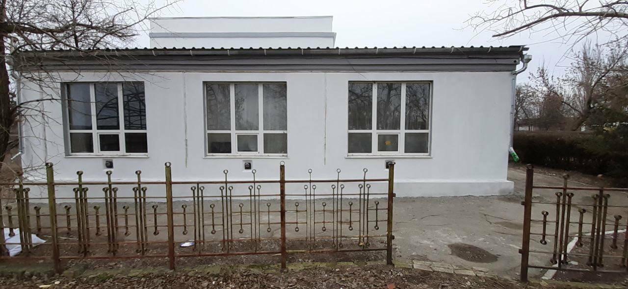 В поселке Роза заканчивают ремонт фасада дома культуры, фото-1