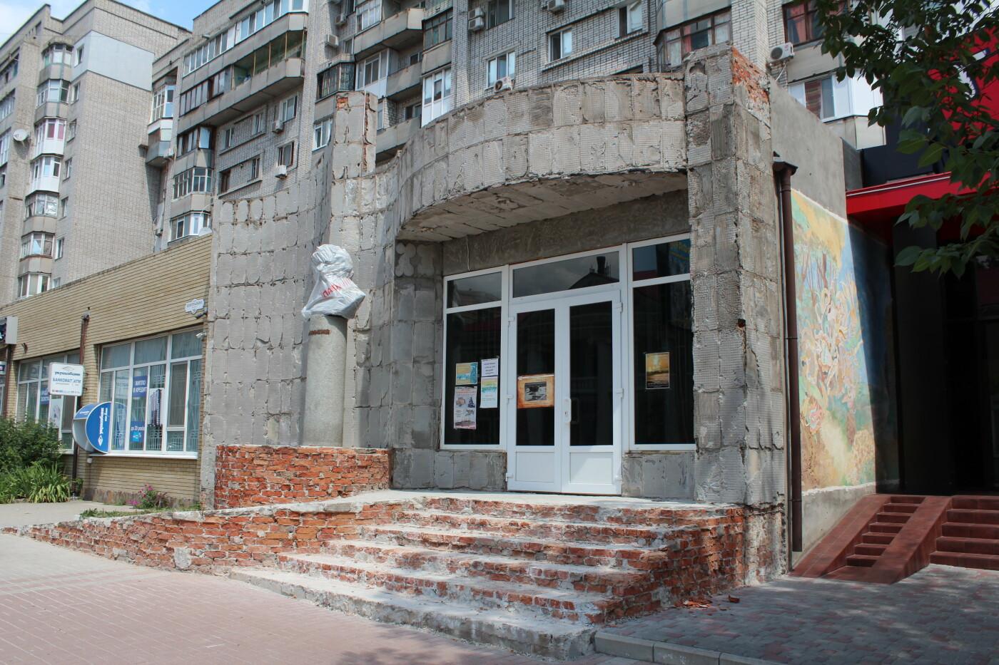 Реконструкция фасада музея им. Бродского завершена, фото-4