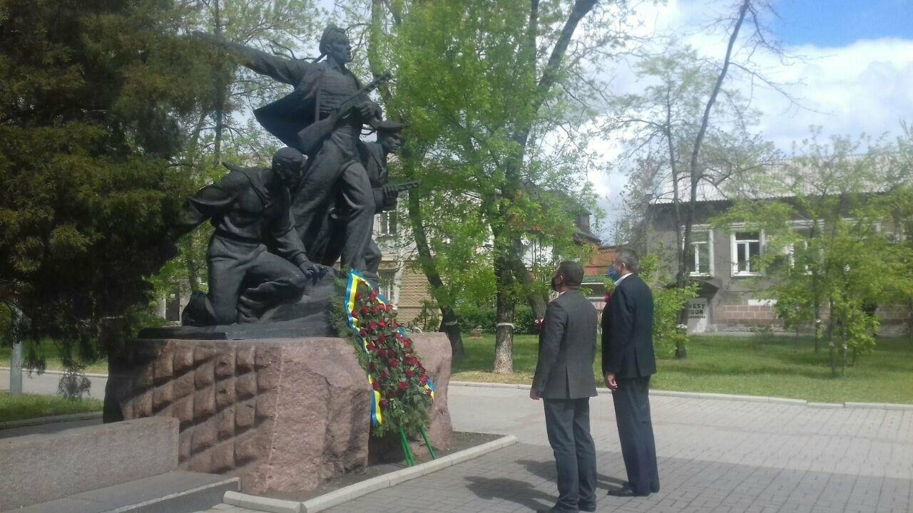 Депутаты почтили память погибших во время Второй мировой войны, - ФОТО, фото-4