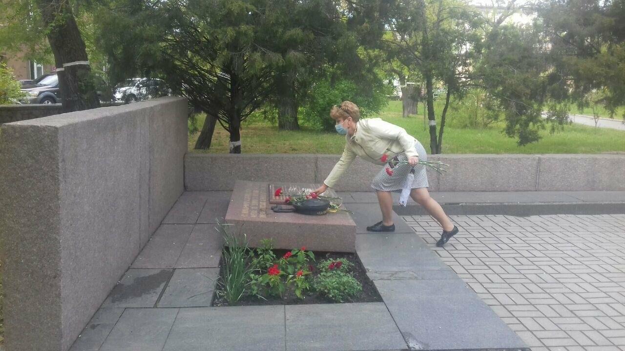 Депутаты почтили память погибших во время Второй мировой войны, - ФОТО, фото-8