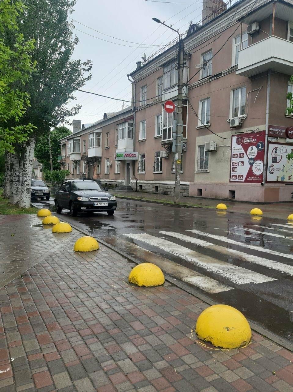 Бердянські водії продовжують порушувати правила паркування, фото-3