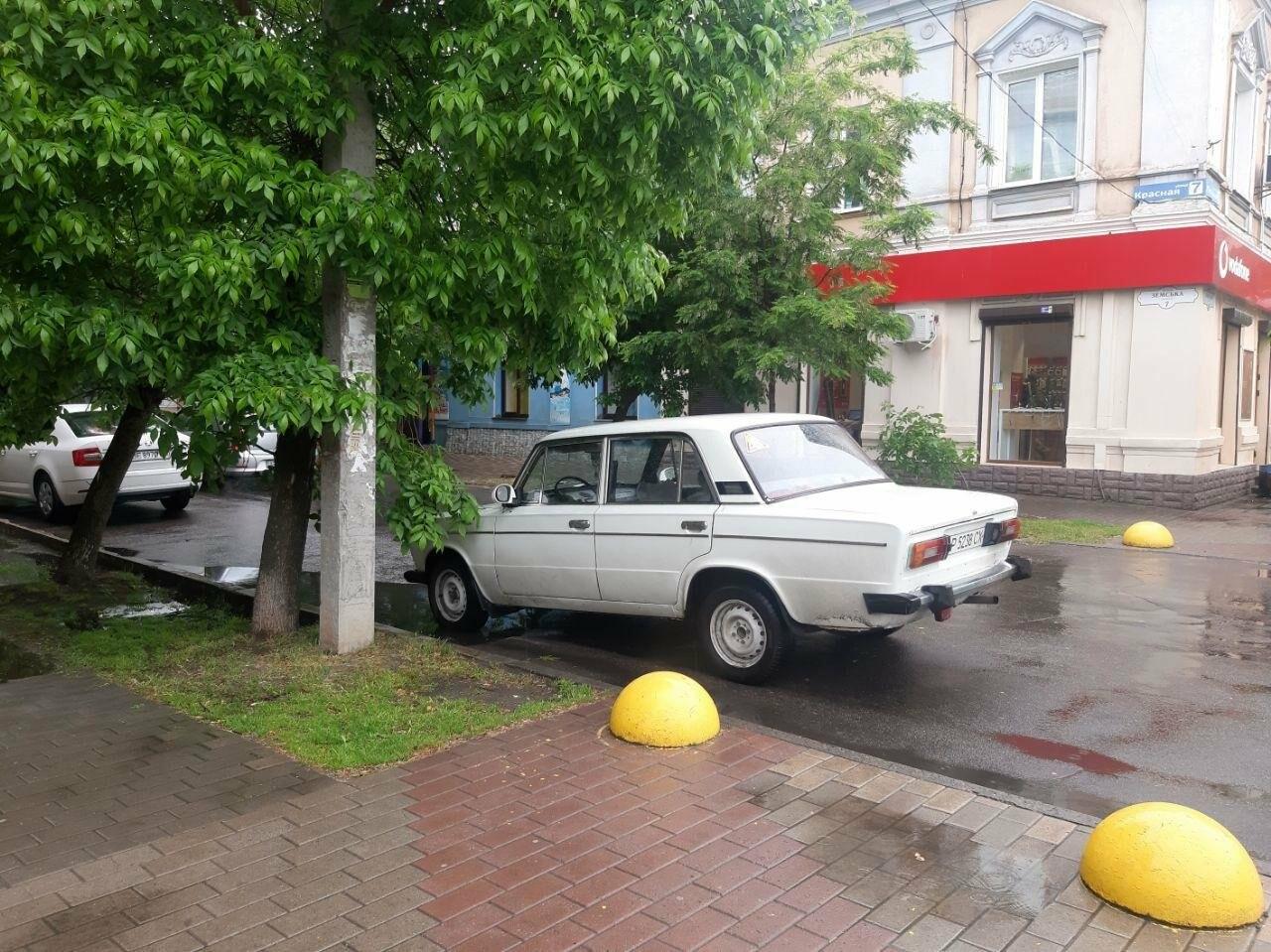 Бердянські водії продовжують порушувати правила паркування, фото-4