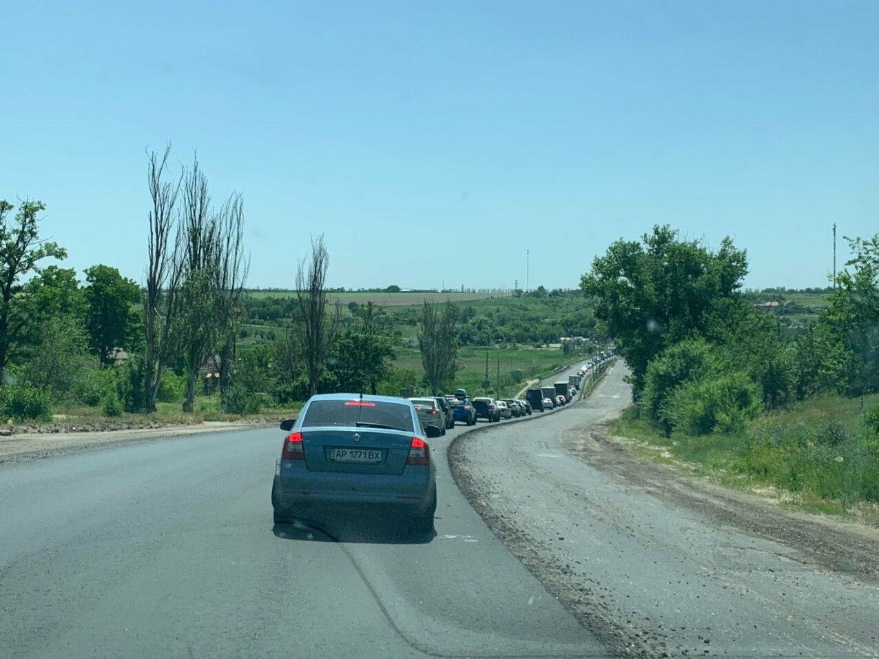Водители, внимание! Пробка на трассе Запорожье-Бердянск, - ФОТО, ВИДЕО, фото-3
