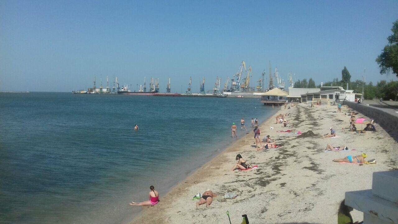 Центральный пляж Бердянска утром в будний день, фото-6