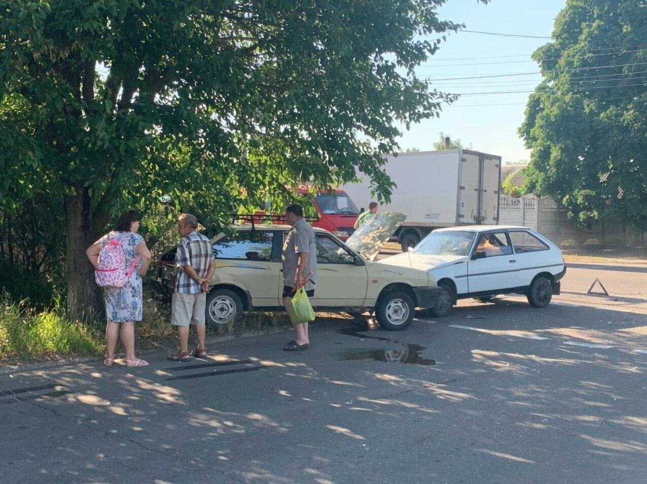 В Бердянске лбами столкнулися две машины, - ФОТО, фото-1