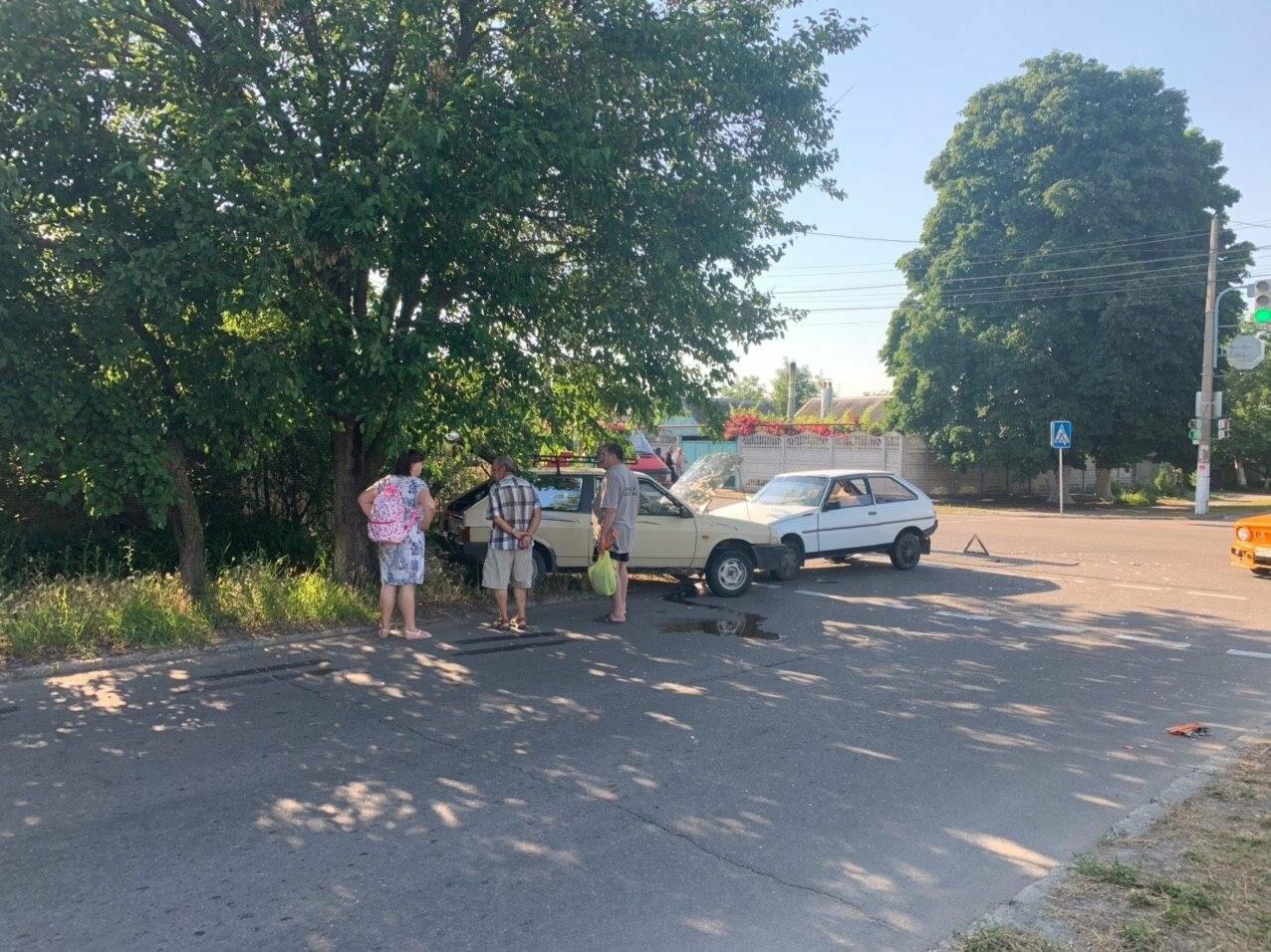 В Бердянске лбами столкнулися две машины, - ФОТО, фото-2