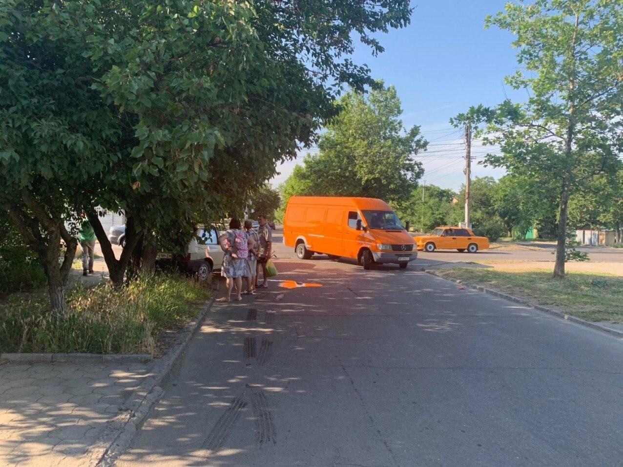 В Бердянске лбами столкнулися две машины, - ФОТО, фото-3