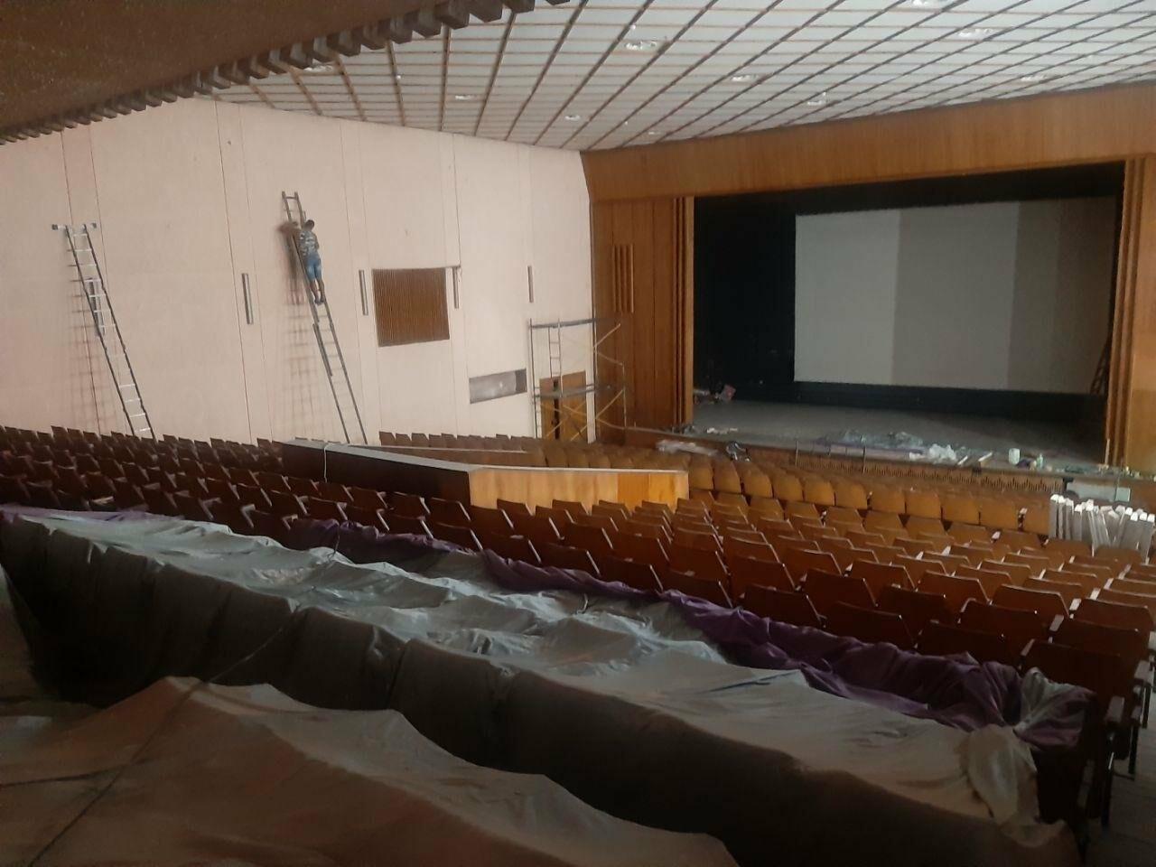 Масштабные ремонтные работы в малом зале бердянского ГДК, фото-2
