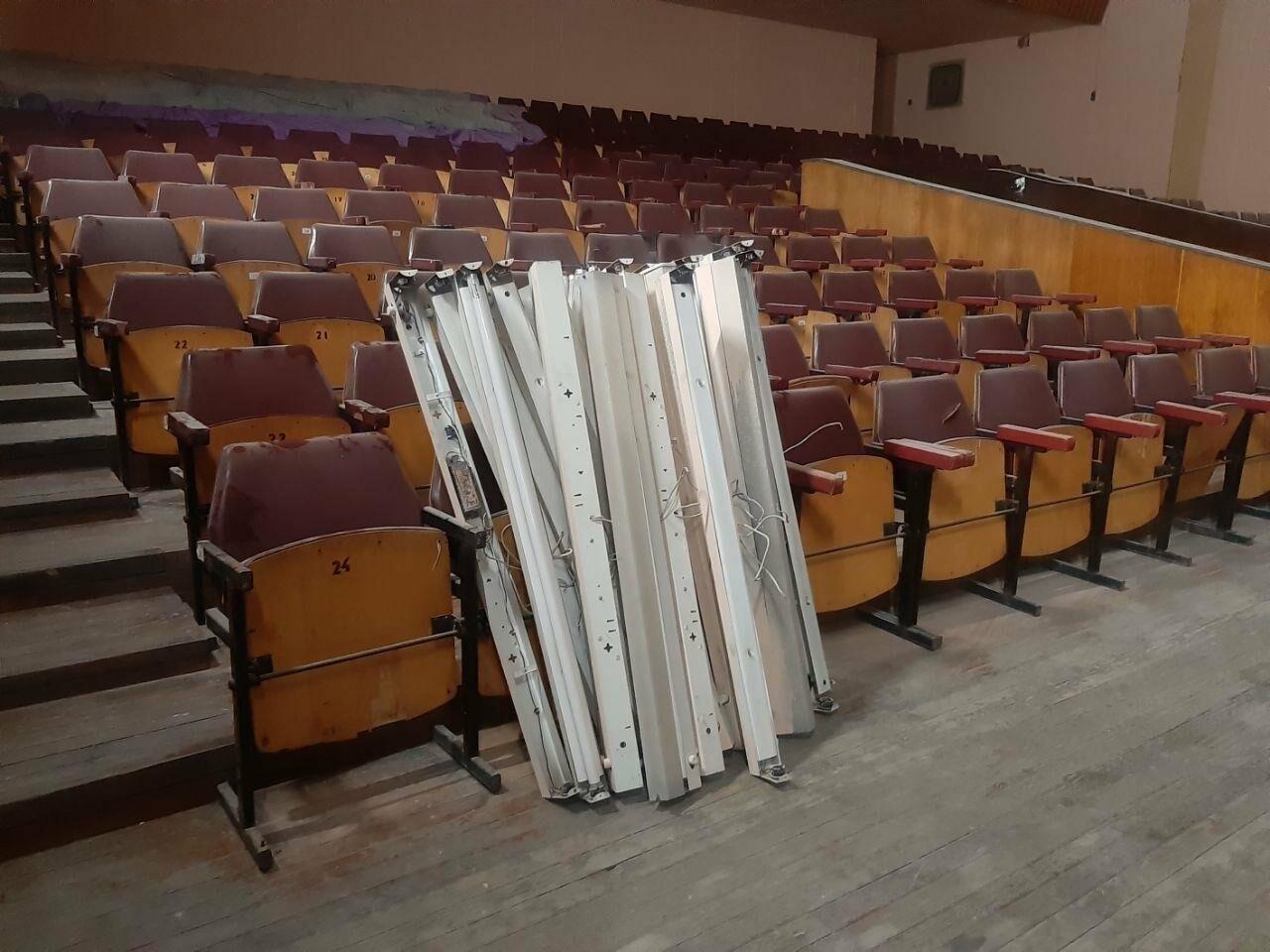 Масштабные ремонтные работы в малом зале бердянского ГДК, фото-10