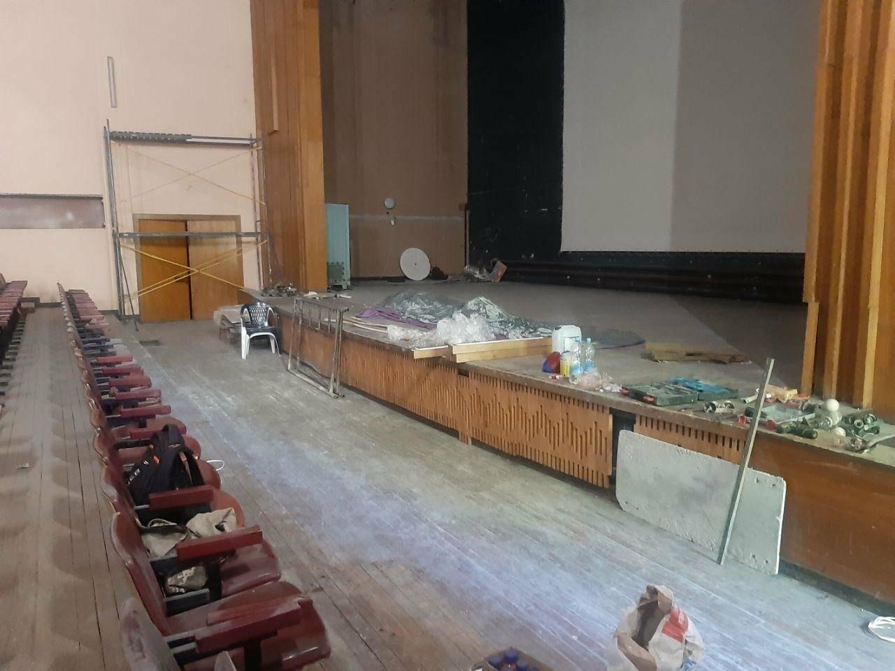 Масштабные ремонтные работы в малом зале бердянского ГДК, фото-12