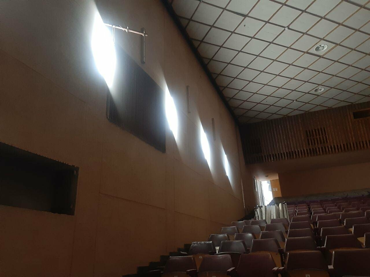 Масштабные ремонтные работы в малом зале бердянского ГДК, фото-9
