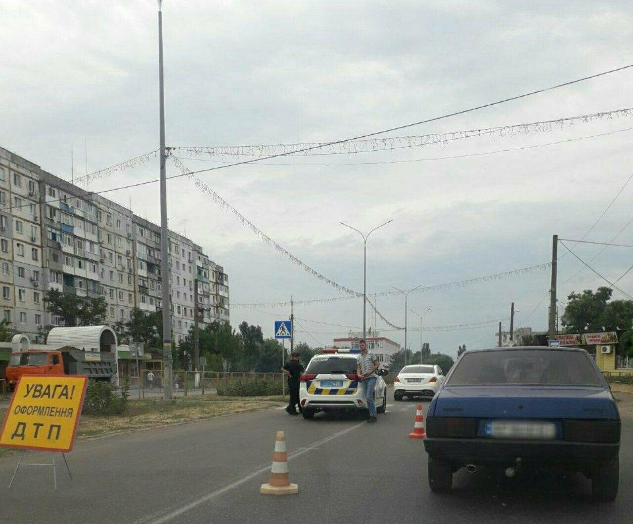 В Бердянске на пешеходном переходе сбили молодого парня, - ВИДЕО, фото-2