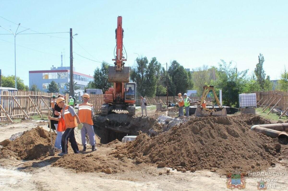 С рабочим визитом Бердянск посетил глава ОГА Виталий Боговин, фото-3