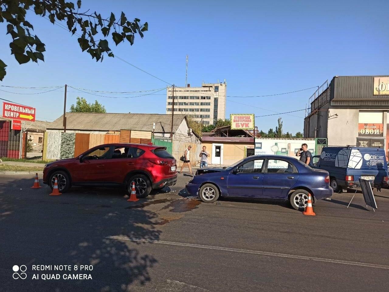 В Бердянске столкнулись два автомобиля, фото-3
