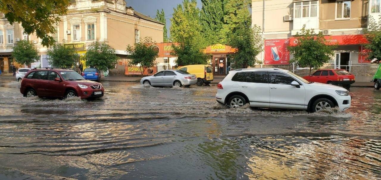 В очередной раз Бердянск затопило после дождя, фото-3