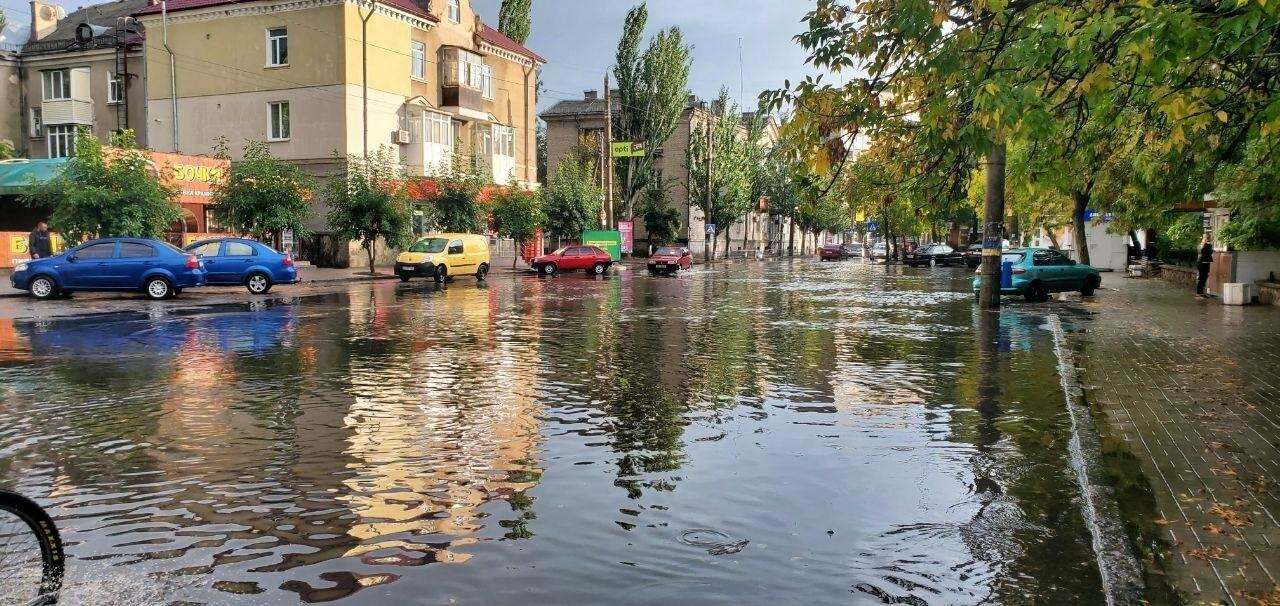 В очередной раз Бердянск затопило после дождя, фото-1