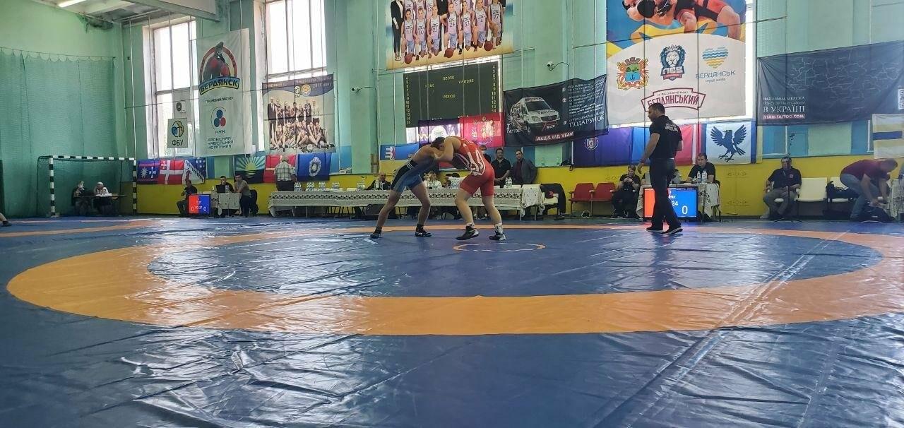 В Бердянске стартовал Всеукраинский турнир по вольной борьбе , фото-2