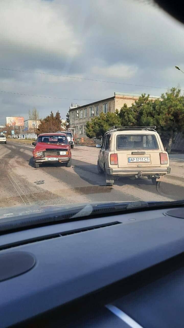 На проспекте Восточном столкнулись два автомобиля (фото), фото-2