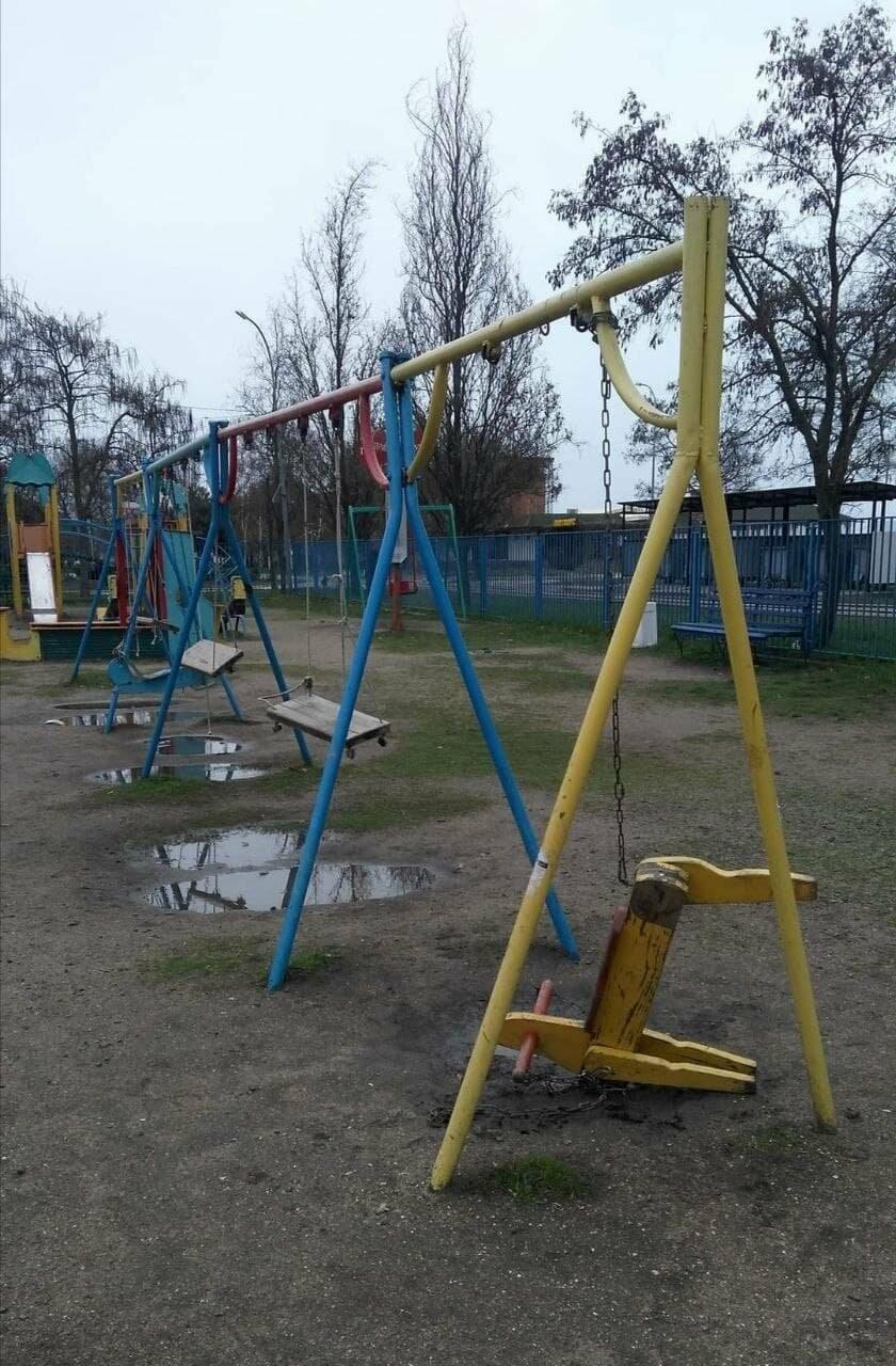 Другой Бердянск: бесхозные детские площадки, фото-4