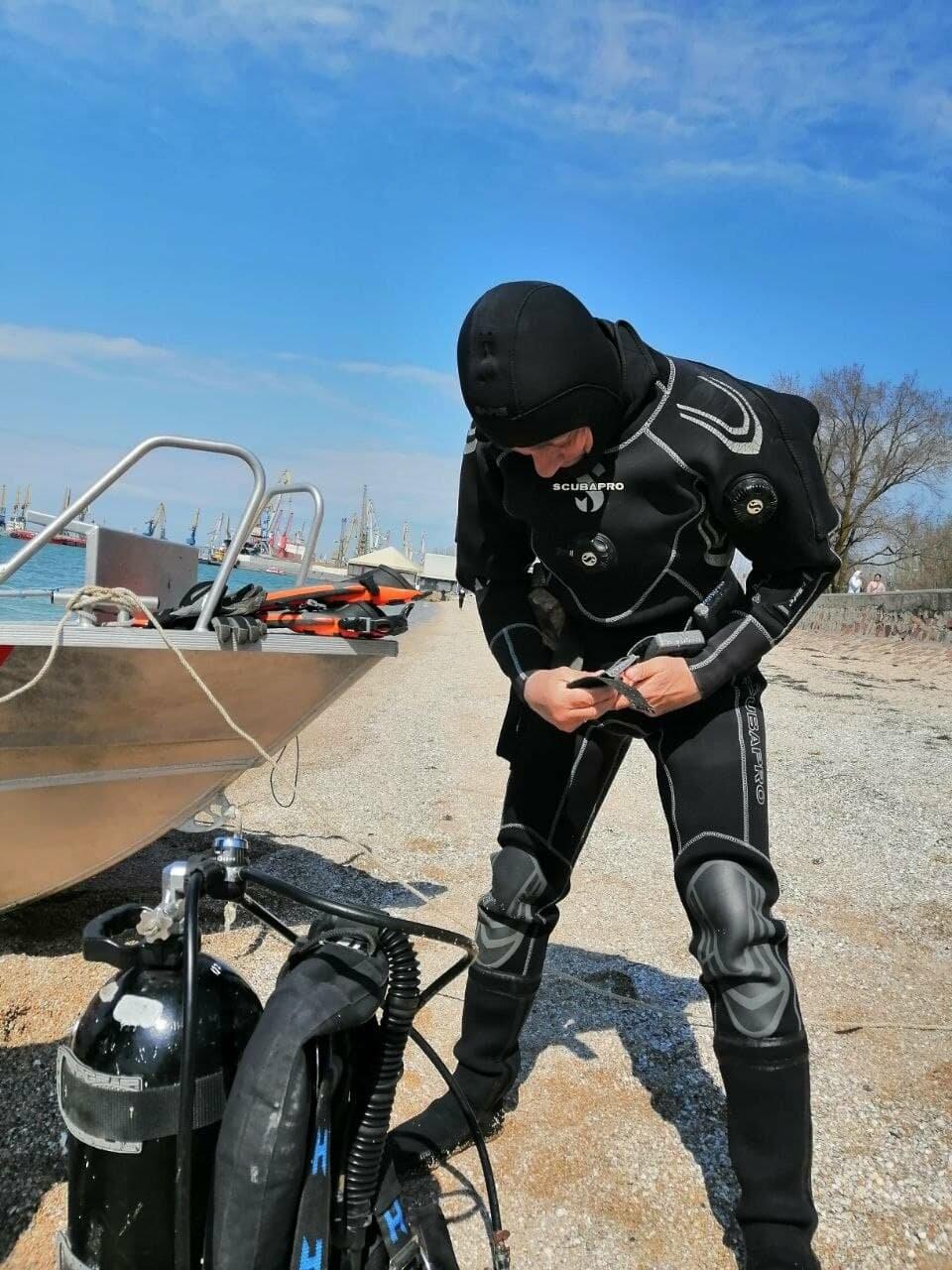 Водолазы исследуют дно Бердянского залива (ФОТО), фото-1
