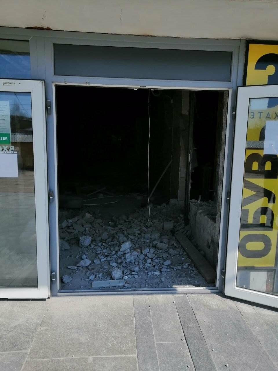 В здании Центрального универмага Бердянска откроется супермаркет «Зеркальный», фото-2