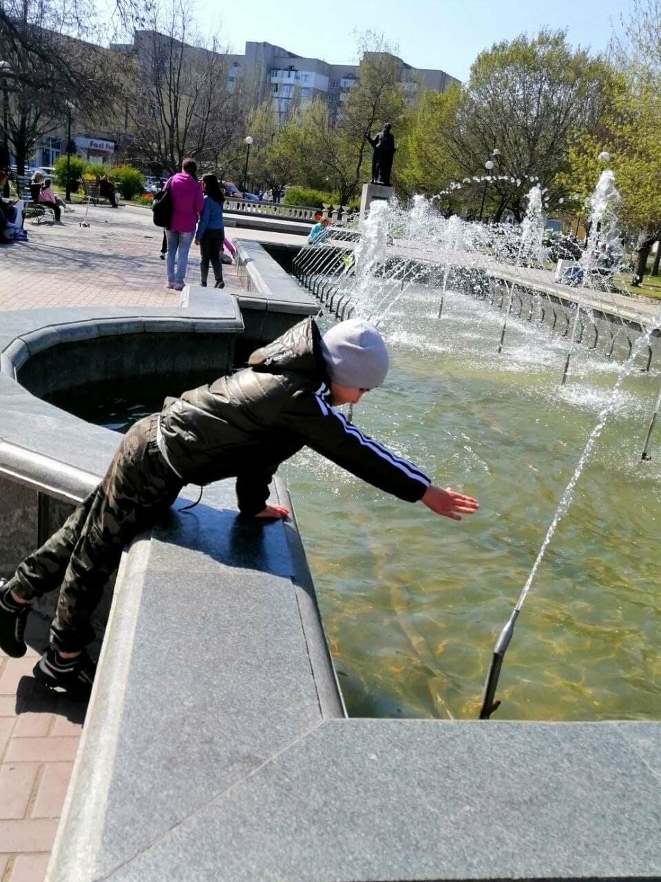 Бердянск встретил Первомай открытием фонтанов и летних площадок (ФОТО), фото-5