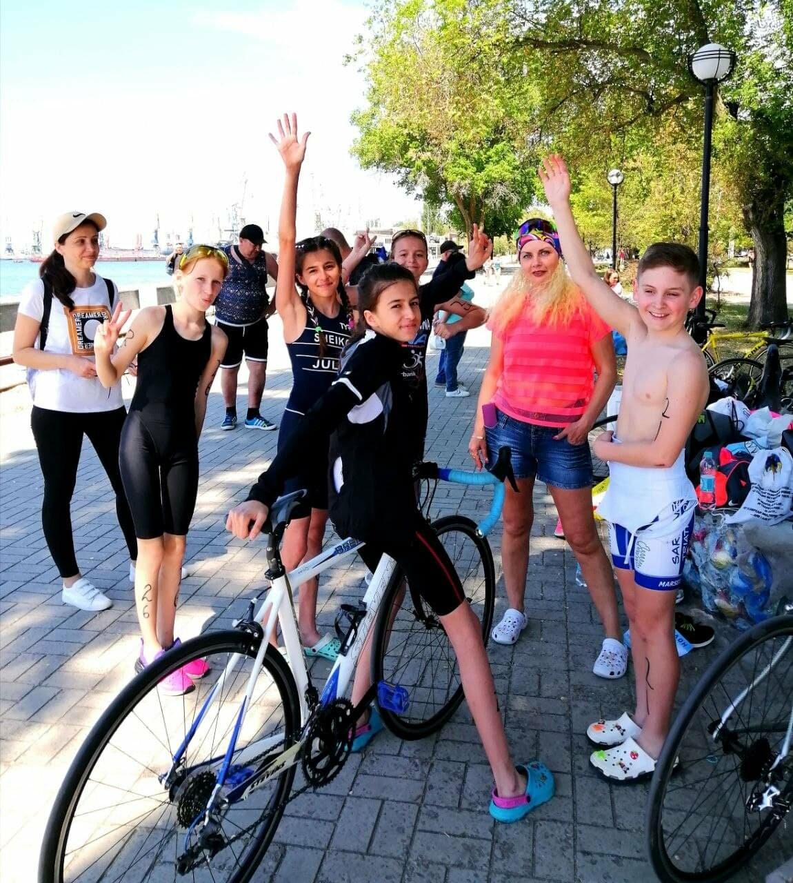 На Приморской площади Бердянска развернулись «триатлонные страсти» (ФОТО), фото-13