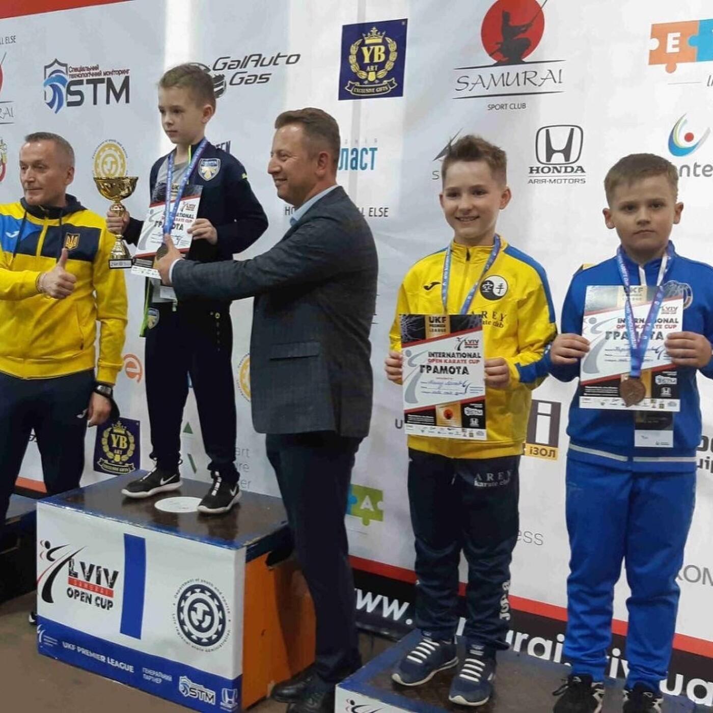 Бердянские каратисты привезли победы с Международных соревнований, фото-1