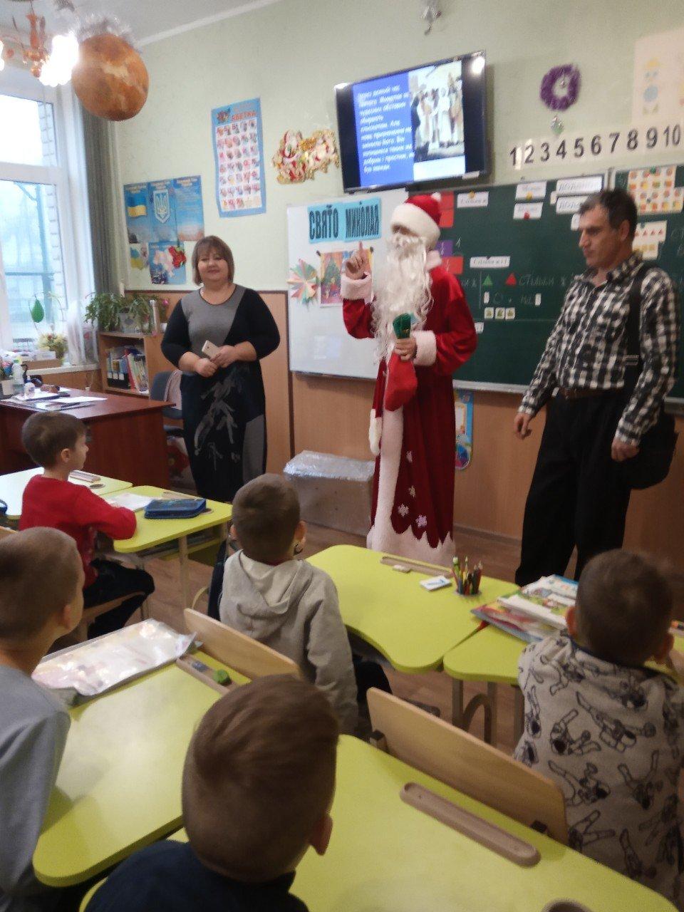 Святой Николай посетил детишек Азмола, фото-1
