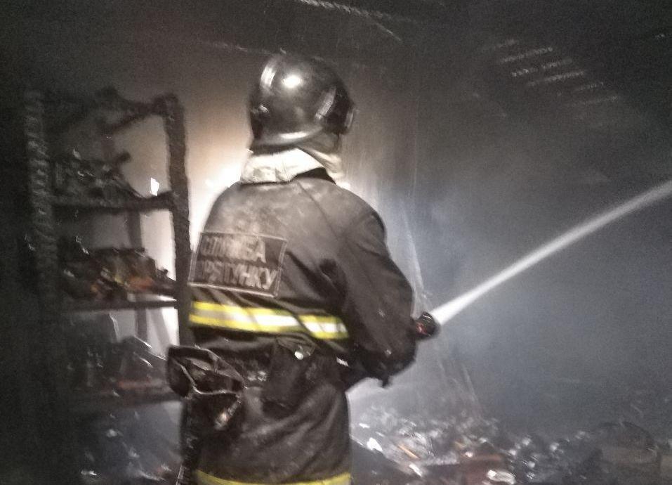 У Бердянську під час пожежі врятували дитину і 70-річного чоловіка, фото-1