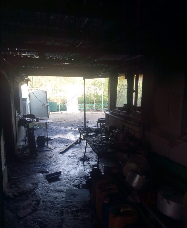 В Бердянском районе устранили пожар в хозяйственном сооружении, фото-1