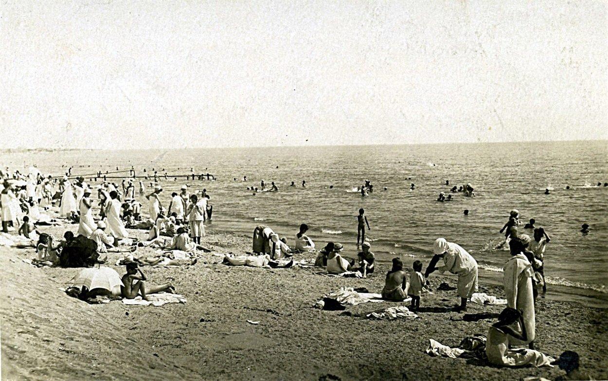 Заглянем на наш центральный пляж в прошлом, фото-1