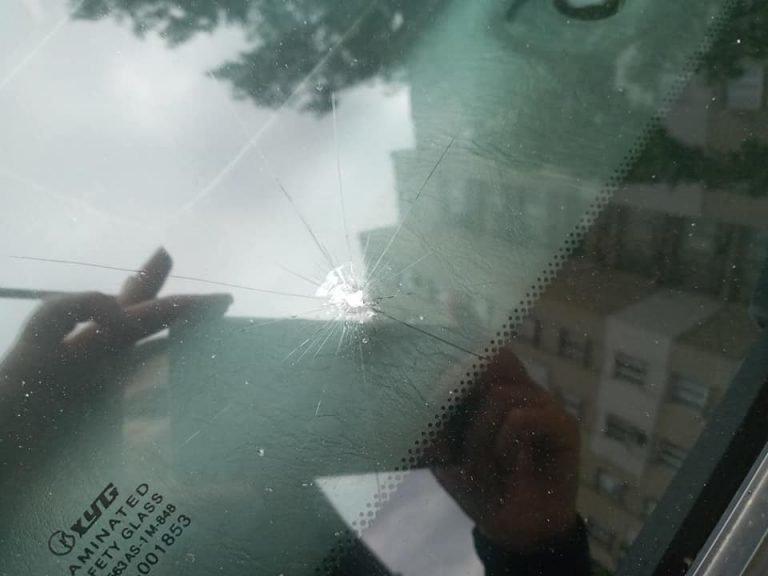 У Бердянську по пр. Східному невідомий обстрілював машини, фото-3