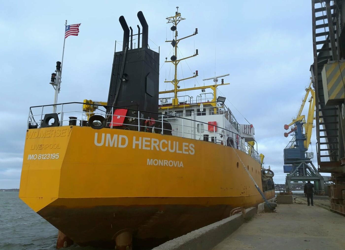 У Бердянському порту вперше за 4 роки відновили прохідну осадку 7,90 м, фото-2
