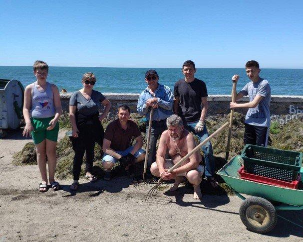 Бердянський «Екозахист Азов» прибрали пляжі Пісок, фото-1
