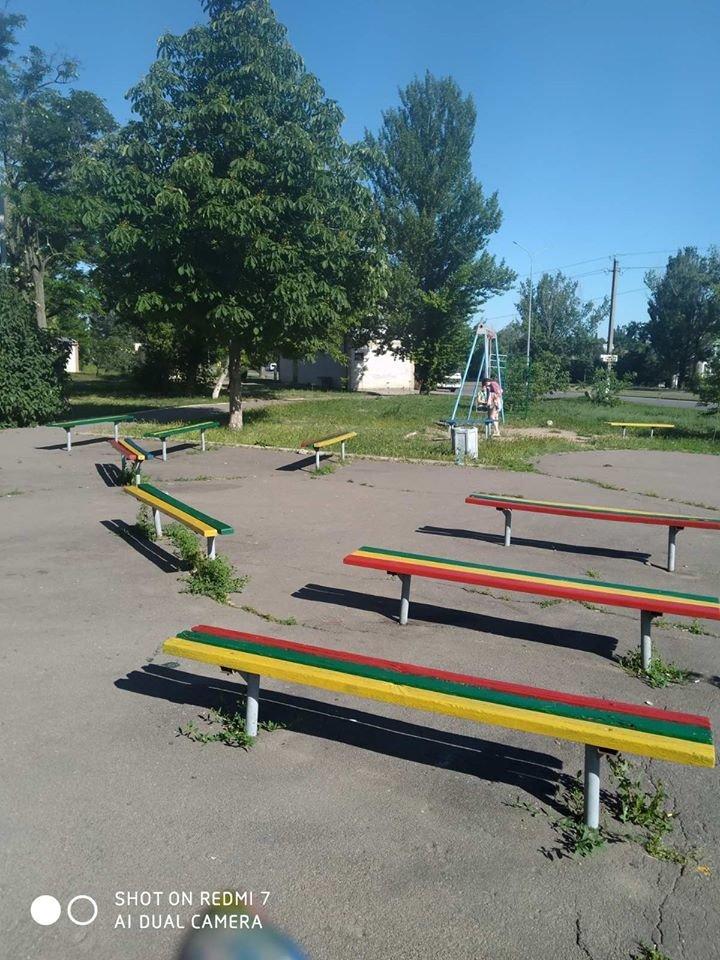 Жители района РТС обновили детскую площадку возле клуба «Зоряный», фото-4